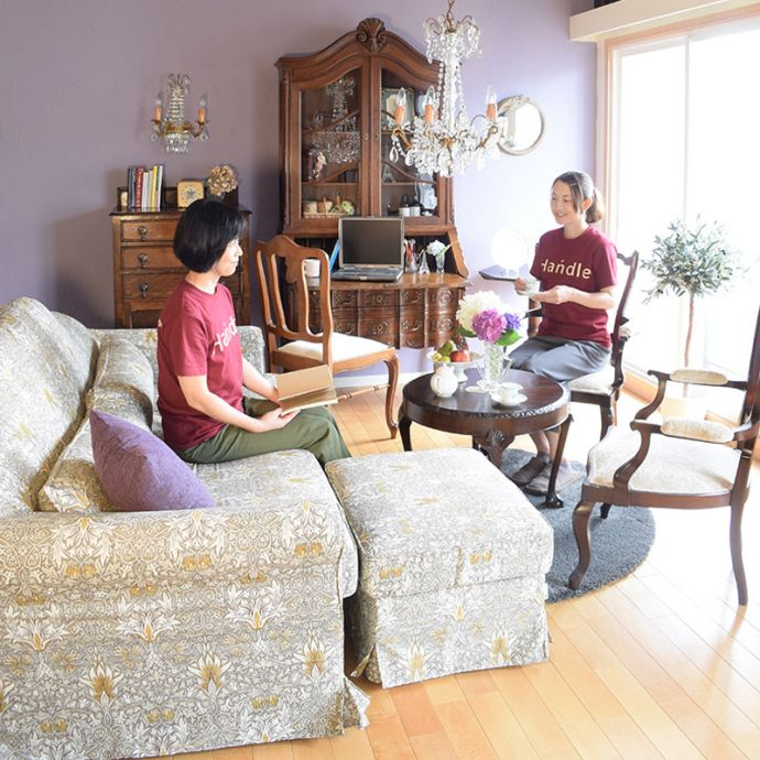 フランスの家具にも似合うウィリアムモリスのソファ