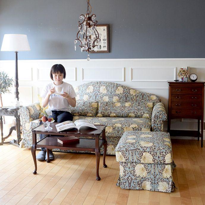 ウィリアムモリスのソファと英国アンティーク家具