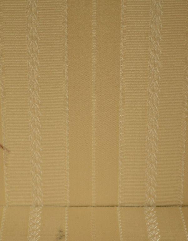j-1319-f アンティークガラスキャビネットのクロス