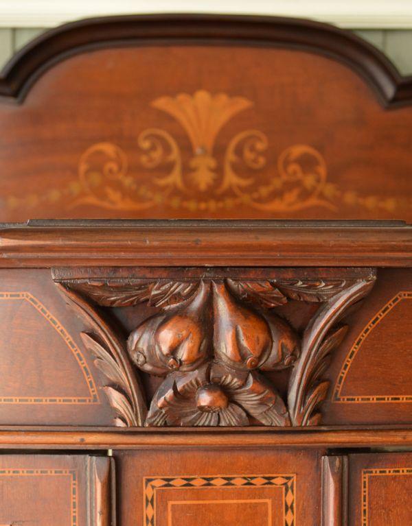j-1495-f アンティークガラスキャビネットの装飾