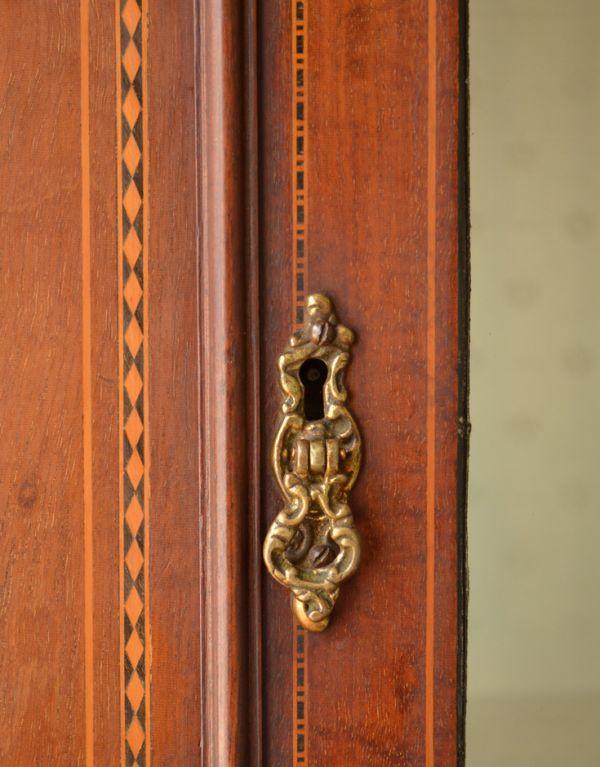 j-1495-f アンティークガラスキャビネットの鍵穴
