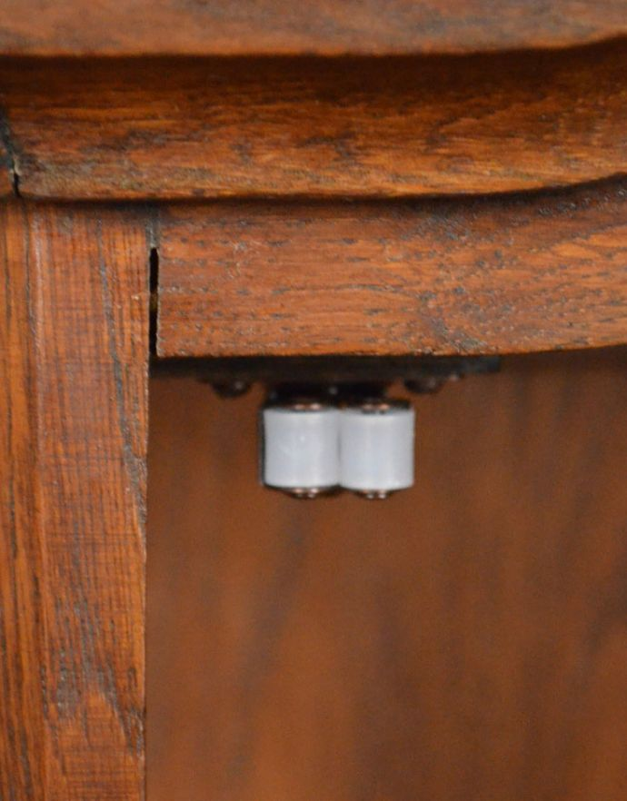 j-1722-f アンティークウォールガラスキャビネットのローラーキャッチ
