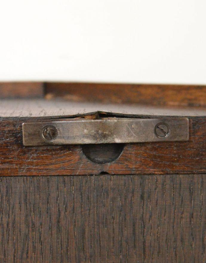 j-1722-f アンティークウォールガラスキャビネットのビス穴