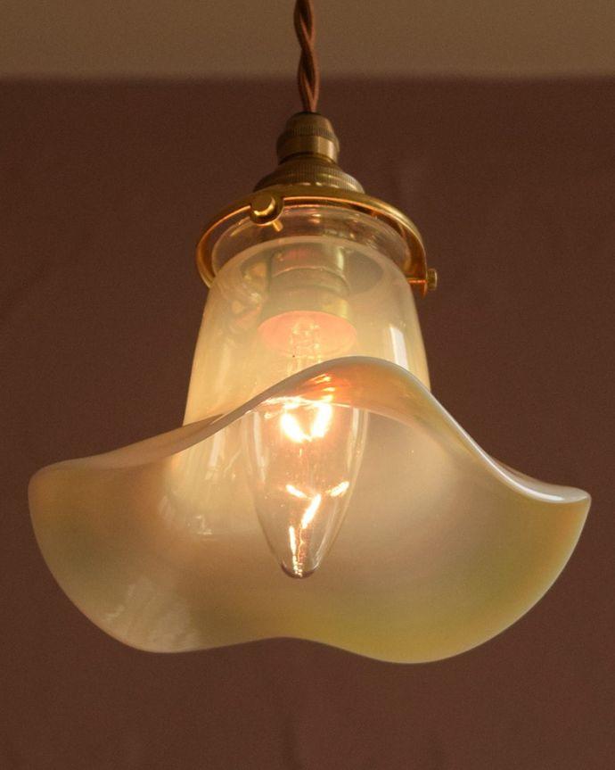 ペンダントライト 照明・ライティング ランプシェード 夜になると・・・ふわっとした優しい灯りで周りを包み込んでくれます。(j-179-z)