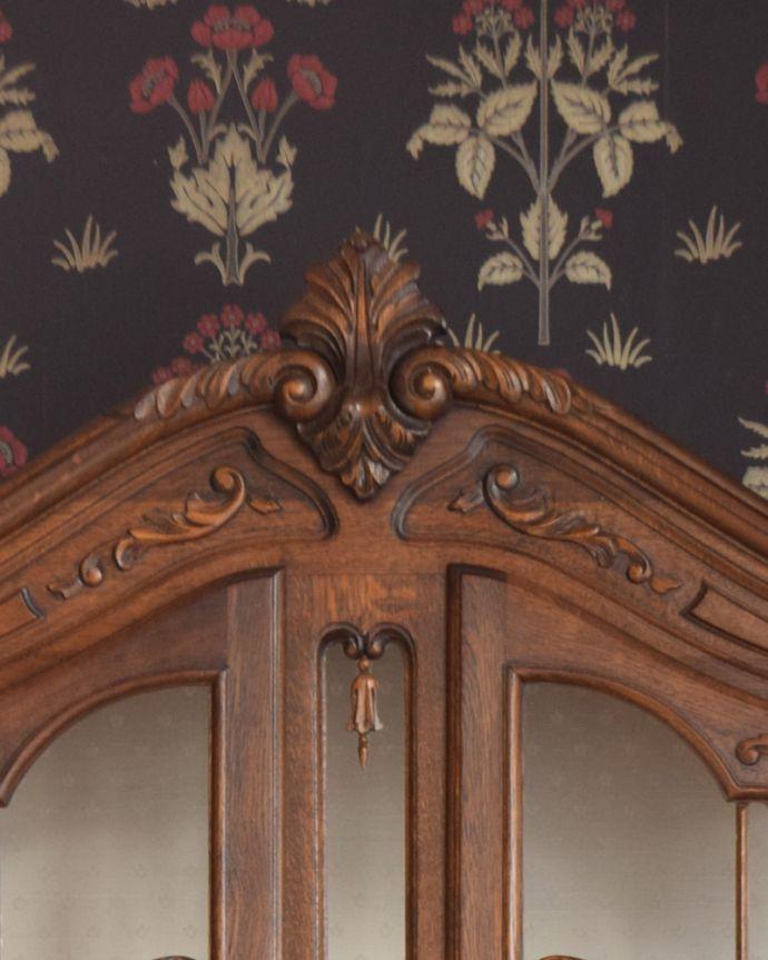 q-874-f アンティークガラスキャビネット(飾り棚)の装飾