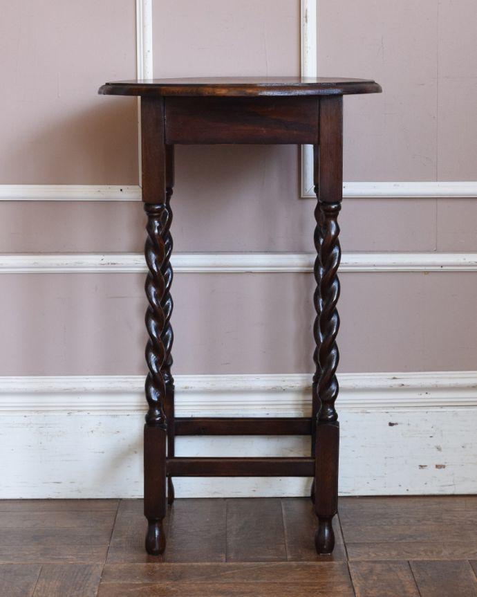 j-1859-f アンティークオケージョナルテーブルの横