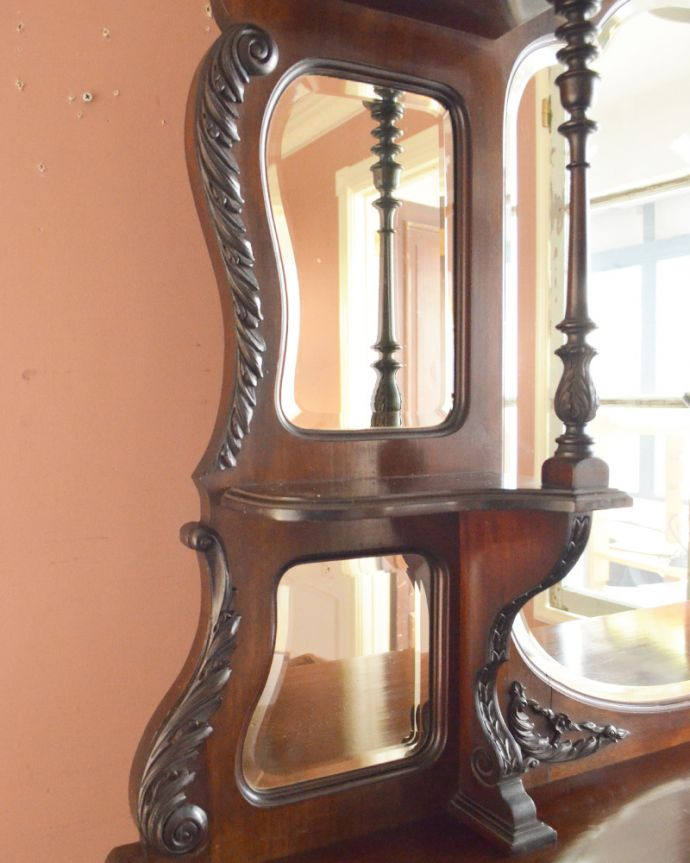j-1866-f アンティークパーラーキャビネットの装飾1