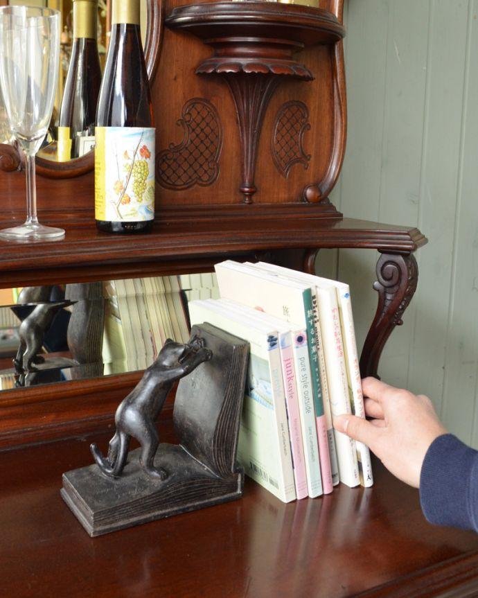 j-1867-f アンティークパーラーキャビネットの本
