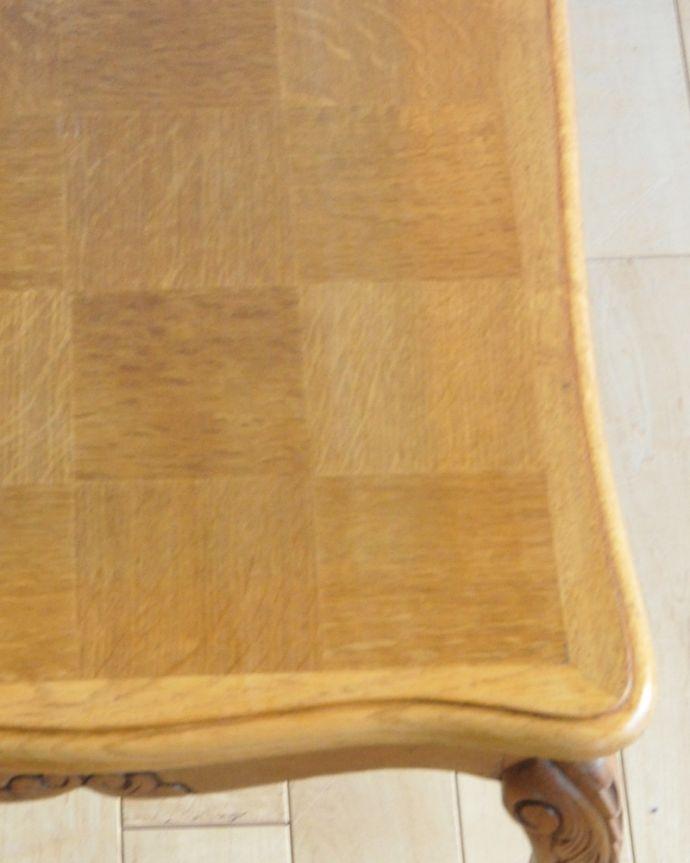 j-1928-f アンティークコーヒーテーブルの角