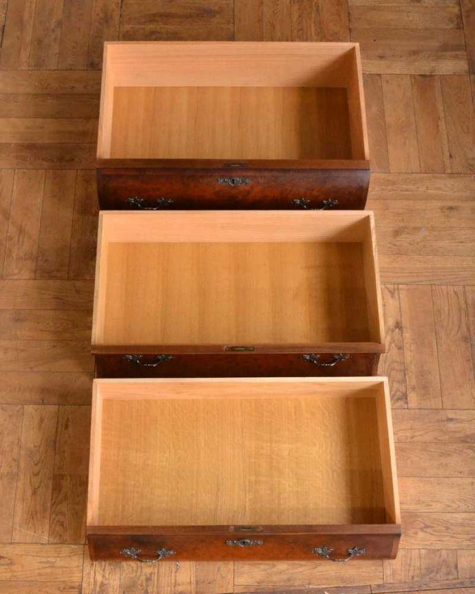 アンティーク家具 南フランスの優雅なアンティーク家具、高級材を使用した3段チェスト(コモード) 。キレイに修復したので、何を入れてもOKです。(j-2388-f)