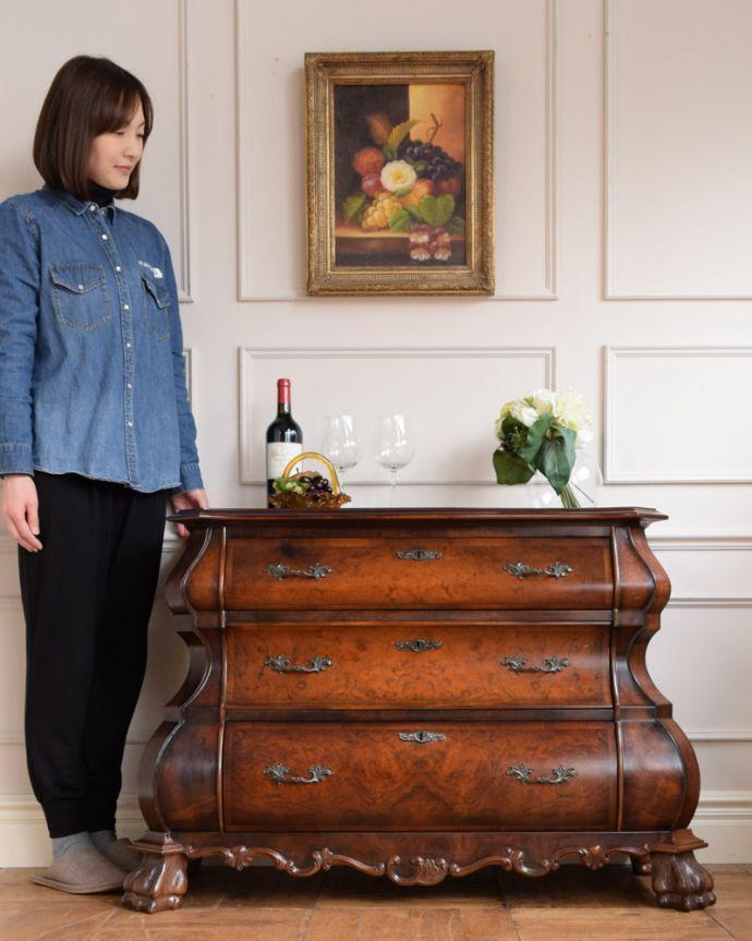アンティーク家具 南フランスの優雅なアンティーク家具、高級材を使用した3段チェスト(コモード) 。美しい曲線美がフランスらしいんです。(j-2388-f)