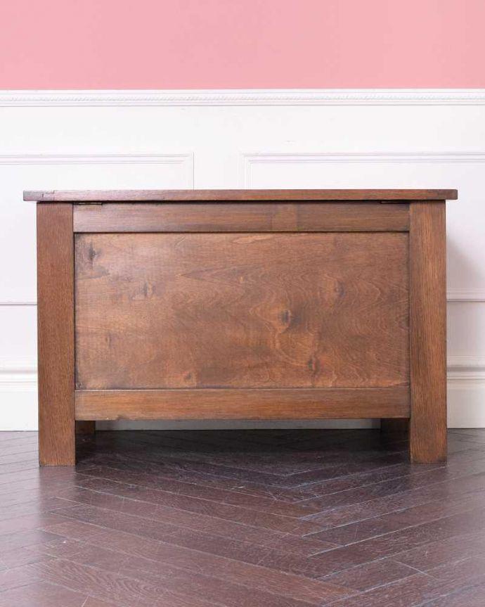 ブランケットボックス・収納ボックス アンティーク家具 ベンチやテーブルとしても使える小さなコファ、英国アンティーク家具。後ろ姿も見て下さい。(j-2430-f)