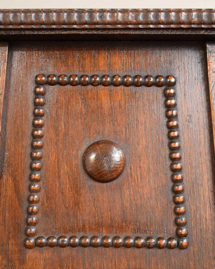 プランツスタンド・ケーキスタンド アンティーク家具 英国輸入の小さなアンティーク家具、長いツイスト脚が美しいプランツスタンド。うっとりする美しさアンティークだから手に入る美しい彫。(j-2450-f)