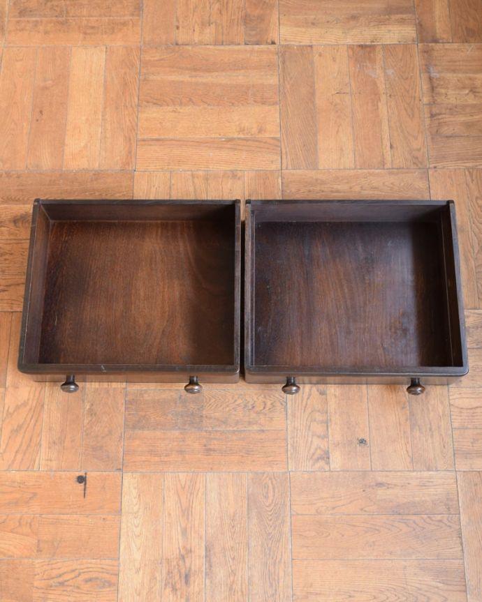 アンティークのキャビネット アンティーク家具 ウェルシュドレッサー(カップボード) 引き出しの中もキレイですもちろん引き出しの中も職人がキレイに修復しました。(j-2727-f)