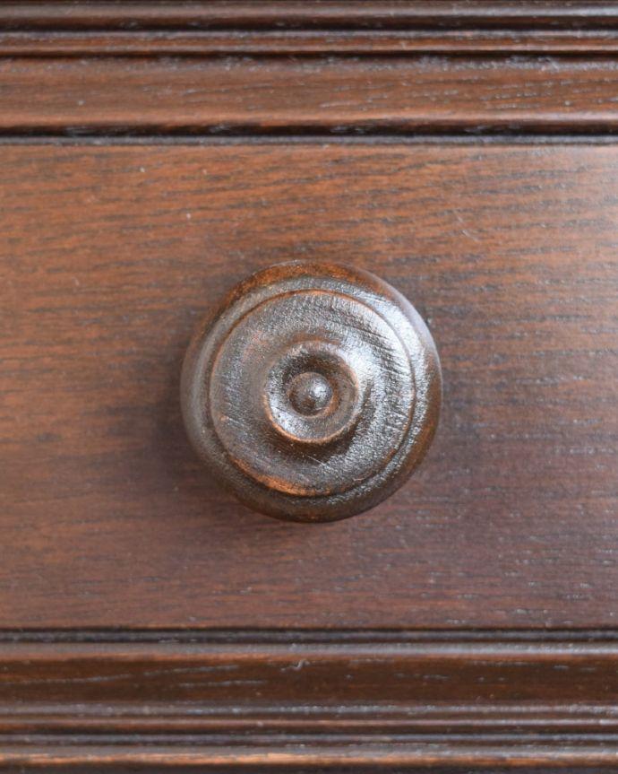 アンティークのキャビネット アンティーク家具 ウェルシュドレッサー(カップボード) アンティークらしい取っ手キチンとお直ししてありますので、開け閉めもスムーズです。(j-2727-f)