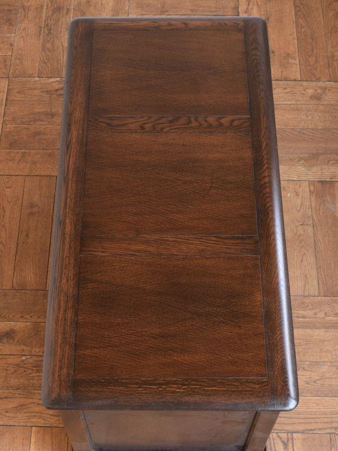 ブランケットボックスの天板