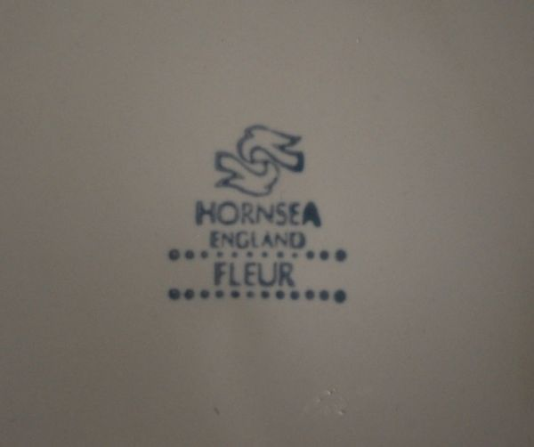 ホーンジー社のフルール(プレートS)のバックスタンプ