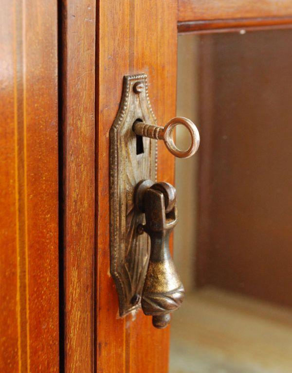 k-1152k-f アンティークキャビネットの鍵穴