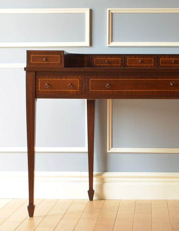ロイドテーブル アンティーク家具 両面使える美しいアンティーク英国家具、マホガニー材のライティングデスク。上品で落ち着きのあるデスク。(k-1197-f)
