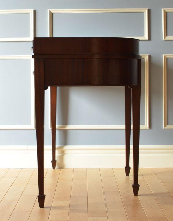 ロイドテーブル アンティーク家具 両面使える美しいアンティーク英国家具、マホガニー材のライティングデスク。サイドも美しいです。(k-1197-f)