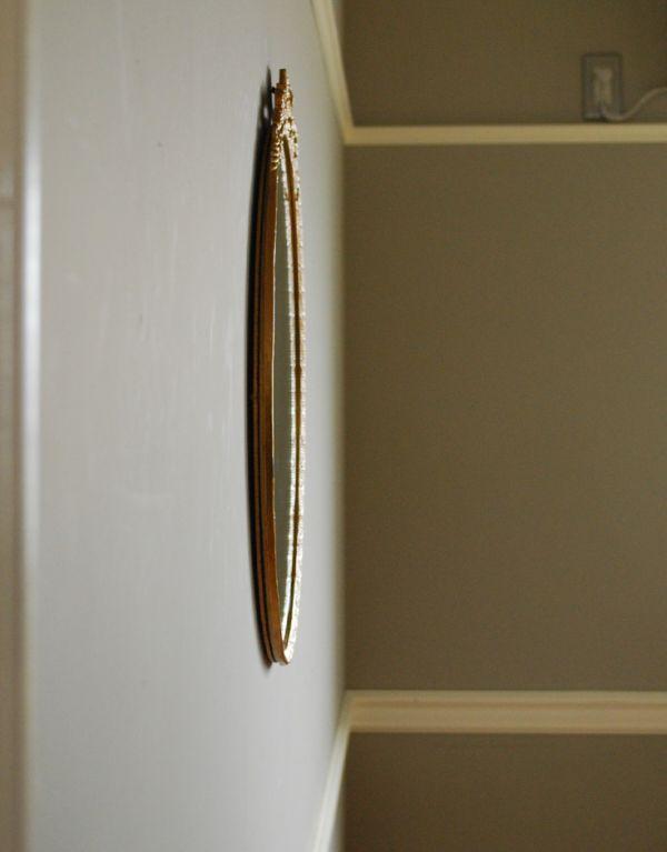 アンティーク カッティングミラー アンティーク雑貨 お花の装飾がエレガントなアンティークミラー(ゴールド)。アンティークのミラーは重みがあります。(k-1204-z)