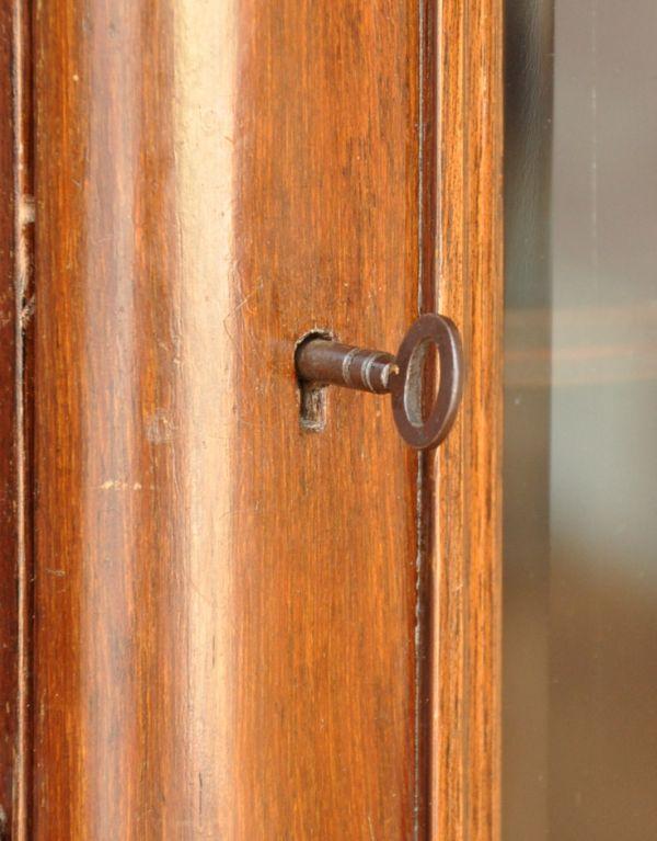 k-1217-f アンティークガラスキャビネットの鍵穴