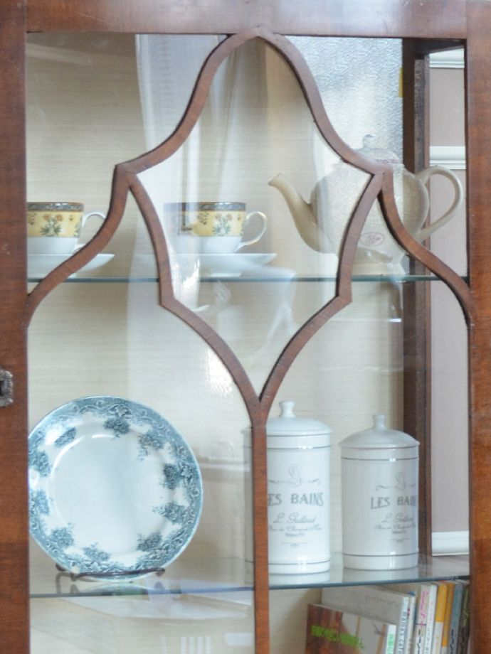 k-1302-f アンティークガラスキャビネットの装飾