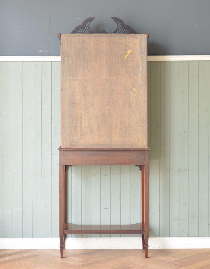 アンティークのキャビネット アンティーク家具 シノワズリーなアンティーク家具、マホガニー材の美しいガラスキャビネット。キチンとメンテナンスしてあるので、裏側もキレイです。(k-1441k-f)