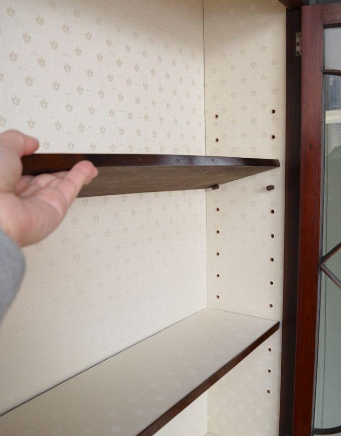 アンティークのキャビネット アンティーク家具 シノワズリーなアンティーク家具、マホガニー材の美しいガラスキャビネット。棚板は、取り外すことも可能です。(k-1441k-f)