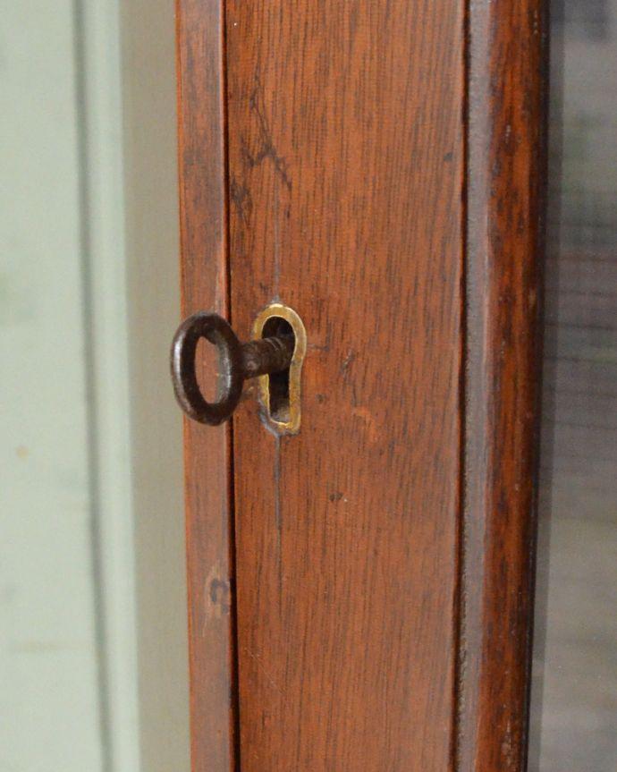 k-1556-f アンティークコーナーキャビネットの木製扉の取っ手