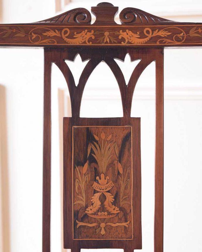 サロンチェア アンティーク チェア 美しい象嵌が気品溢れるアンティークのインレイドチェア。華やかな象嵌の模様木を組み合わせることで作る象嵌で描かれた模様。(k-1560-c)