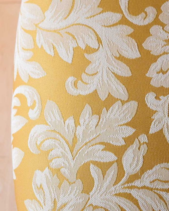 サロンチェア アンティーク チェア 美しい象嵌が気品溢れるアンティークのインレイドチェア。生地のセレクトにもこだわりました優雅なアンティークチェアの雰囲気をそのままに、一番似合う貼り座をじっくり選びました。(k-1560-c)