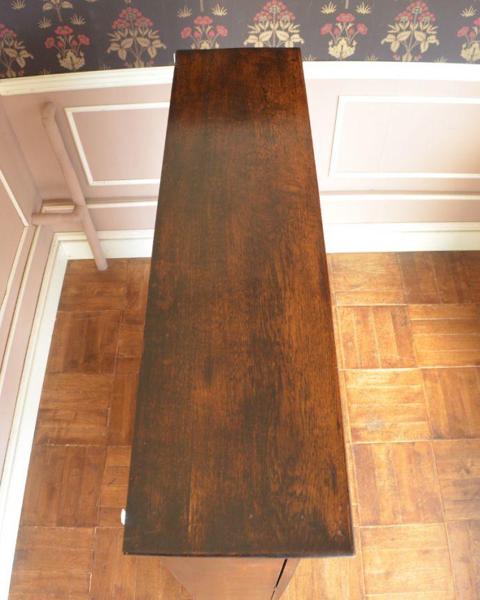アンティークのキャビネット アンティーク家具 英国紳士たちが愛したかっこいいアンティーク家具、イギリス輸入のブックケース(本棚)。天板もピカピカにお直ししました。(k-1565-f)