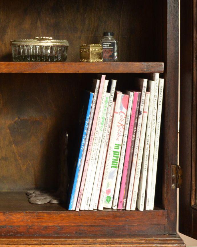 アンティークのキャビネット アンティーク家具 英国紳士たちが愛したかっこいいアンティーク家具、イギリス輸入のブックケース(本棚)。本をたっぷり収納できます。(k-1565-f)