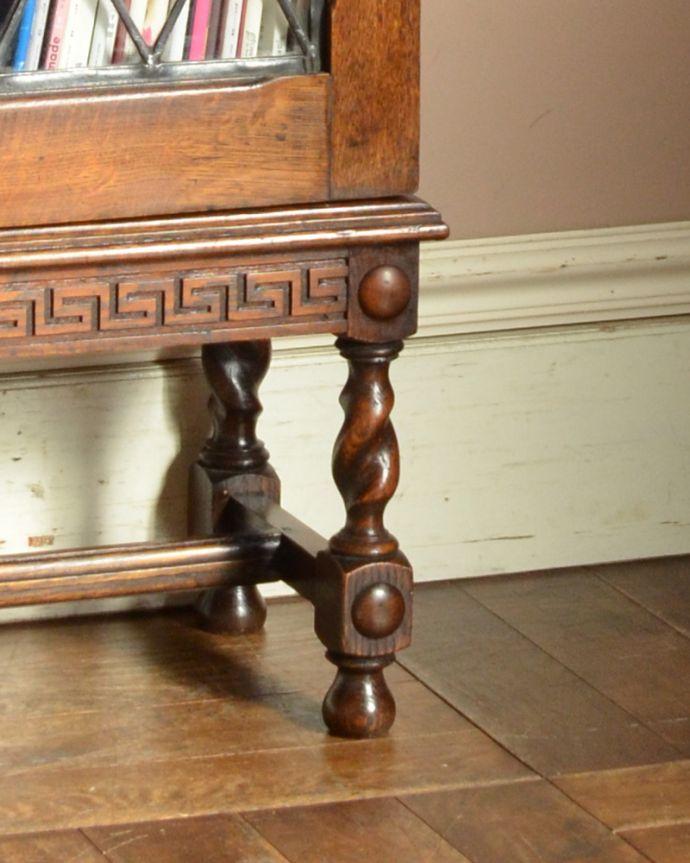 アンティークのキャビネット アンティーク家具 英国紳士たちが愛したかっこいいアンティーク家具、イギリス輸入のブックケース(本棚)。きちんと支えます。(k-1565-f)