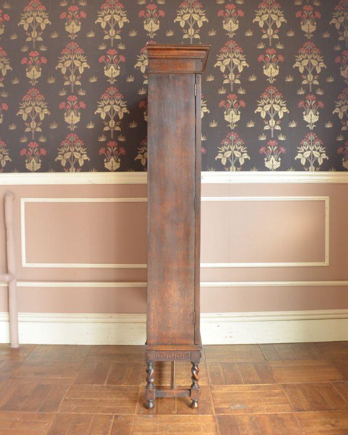 アンティークのキャビネット アンティーク家具 英国紳士たちが愛したかっこいいアンティーク家具、イギリス輸入のブックケース(本棚)。横から見てもピカピカです。(k-1565-f)