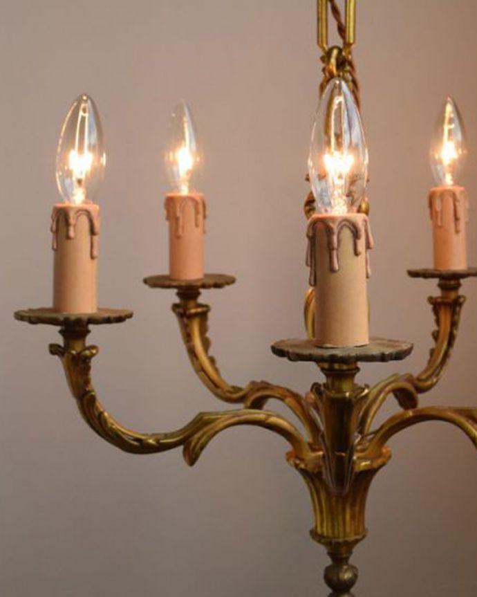 シャンデリア 照明・ライティング 高級感溢れる真鍮製シャンデリア、フランス輸入のアンティーク照明(5灯)(E17シャンデリア球付)。しっかりオーバーホウルしましたHandleのシャンデリアはアンティーク専門の職人が時間をかけて日本仕様に修理しています。(k-1595-z)