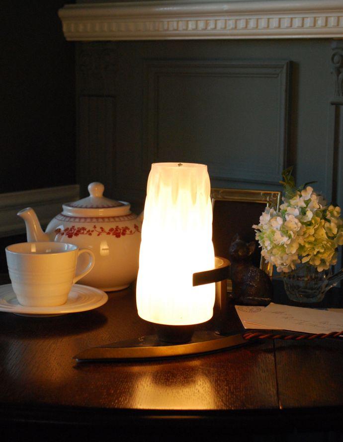 k-1606-z アンティーク テーブルランプの点灯時