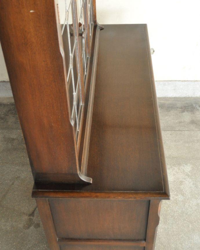 k-1657-f 英国のガラスキャビネット(カップボード)の天板