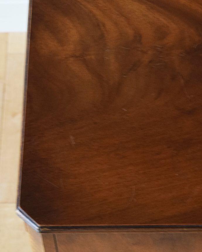 k-1672-f アンティークナイトテーブルの角