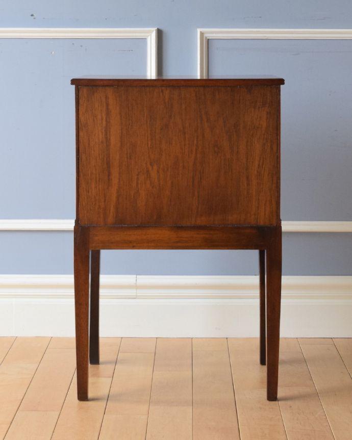 k-1672-f アンティークナイトテーブルの後ろ