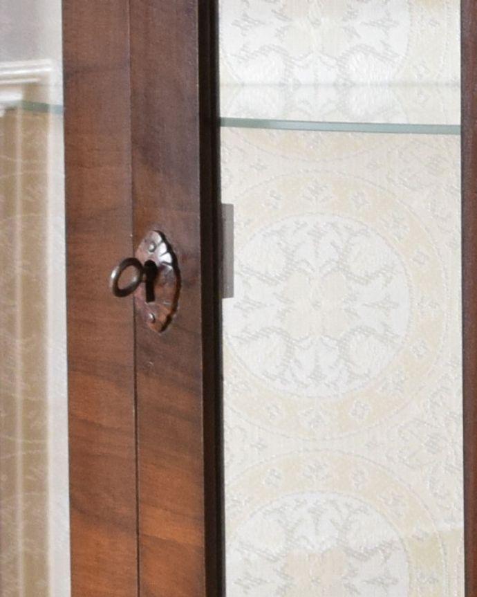 k-1688-f アンティークガラスキャビネットの鍵穴