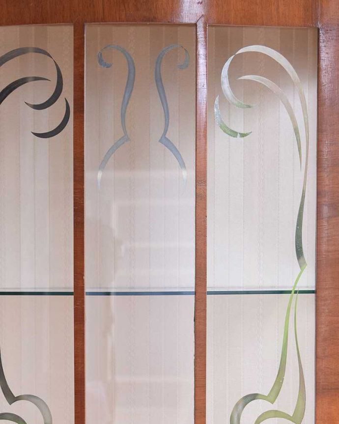 k-1695-f アンティークガラスキャビネットの装飾