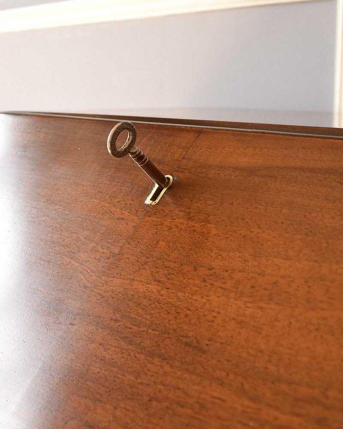 k-1698-f  アンティークビューローの鍵