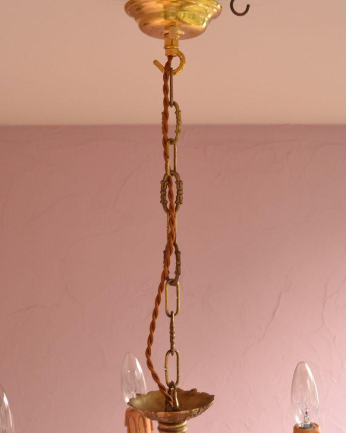 シャンデリア 照明・ライティング エレガントな真鍮製シャンデリア、フランスで見つけたアンティーク照明(5灯)(E17シャンデリア球付)。真鍮のカバー付きです。(k-1714-z)