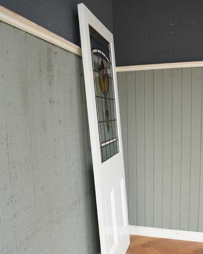 k-1745-f アンティークステンドグラス入りドアの横
