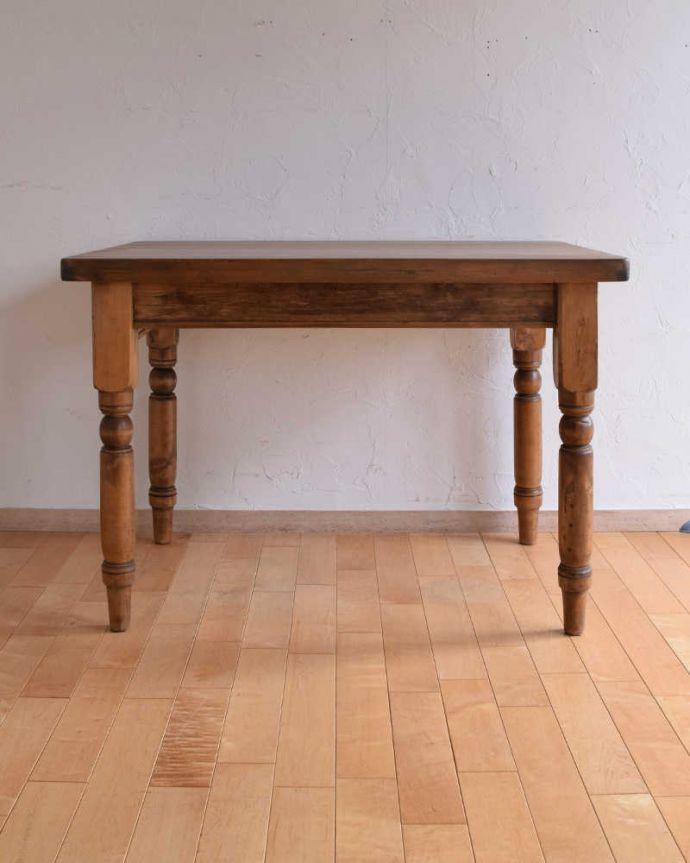 k-1831-f  アンティークリフェクトリーテーブルの横