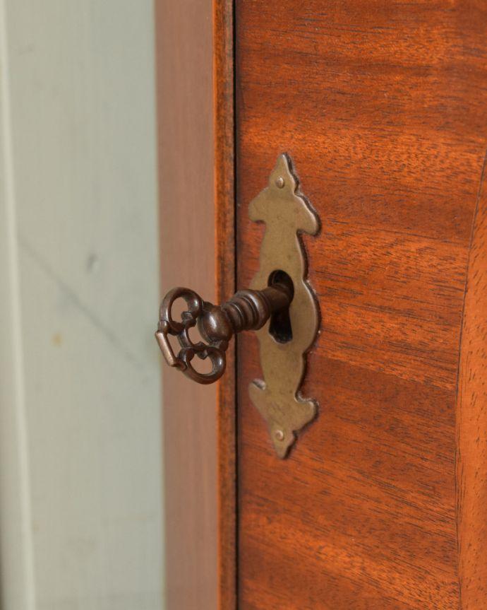 k-1841-f アンティークコーナーカップボードの取っ手・鍵穴