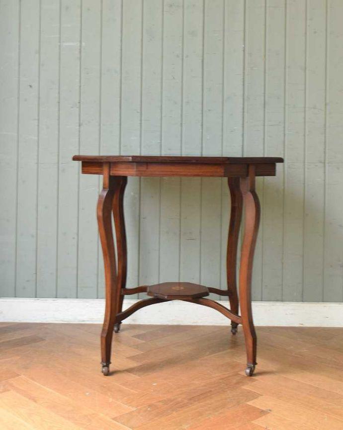 k-1892-f アンティークオケージョナルテーブルの横