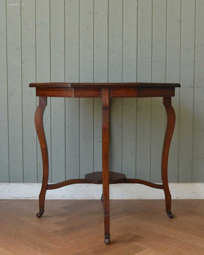k-1892-f アンティークオケージョナルテーブルの後ろ